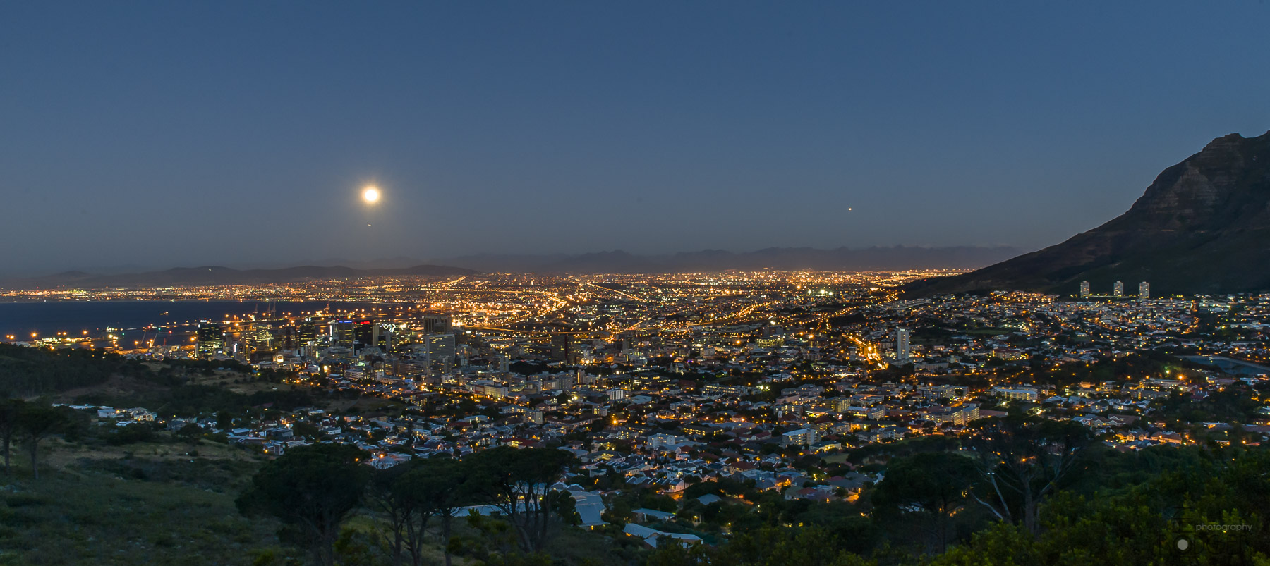 Big moon rise Cape Town